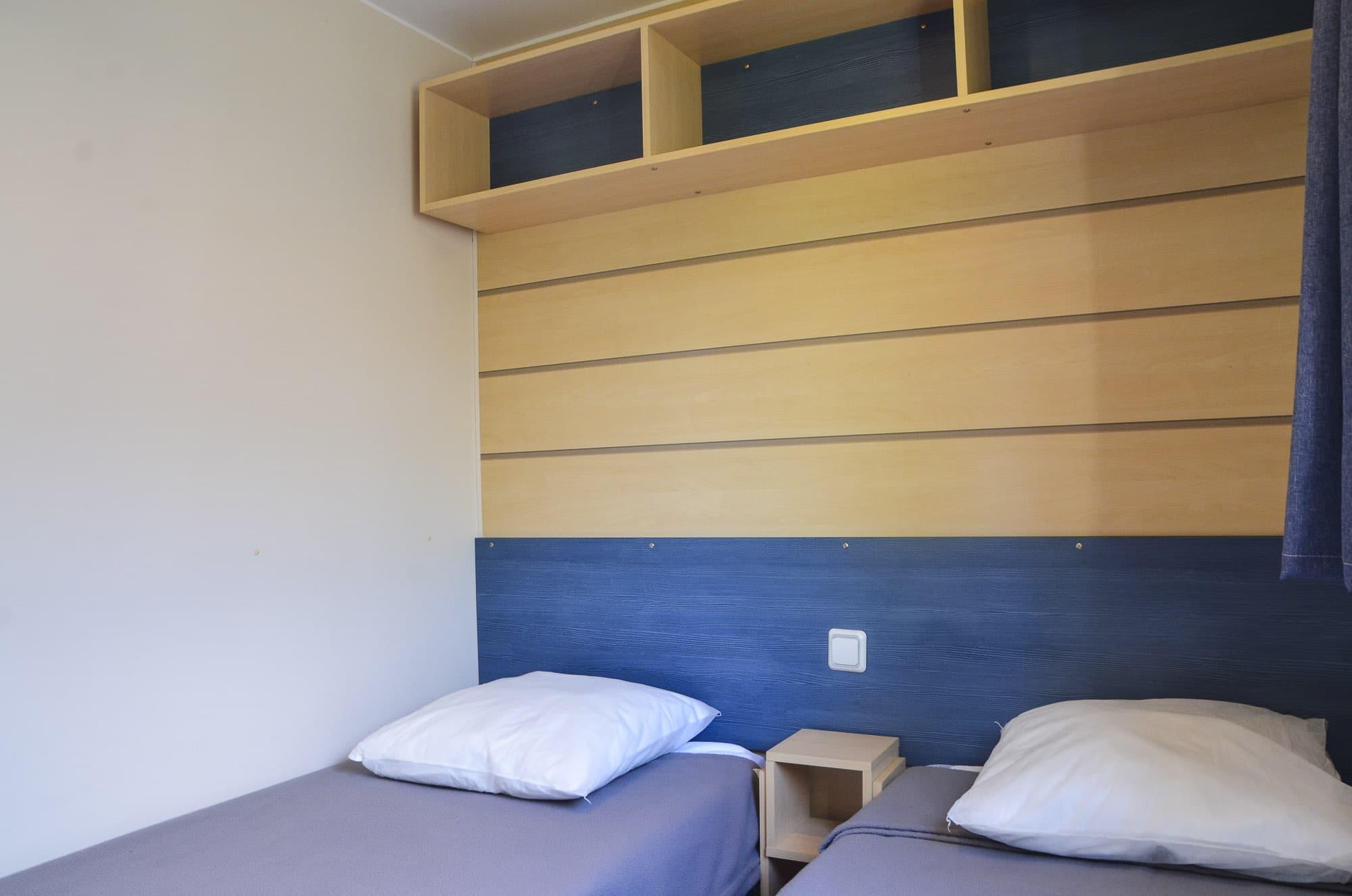 Chambre 2 lits simples Mobil Home Camping Le Garrit Dordogne Périgord Noir