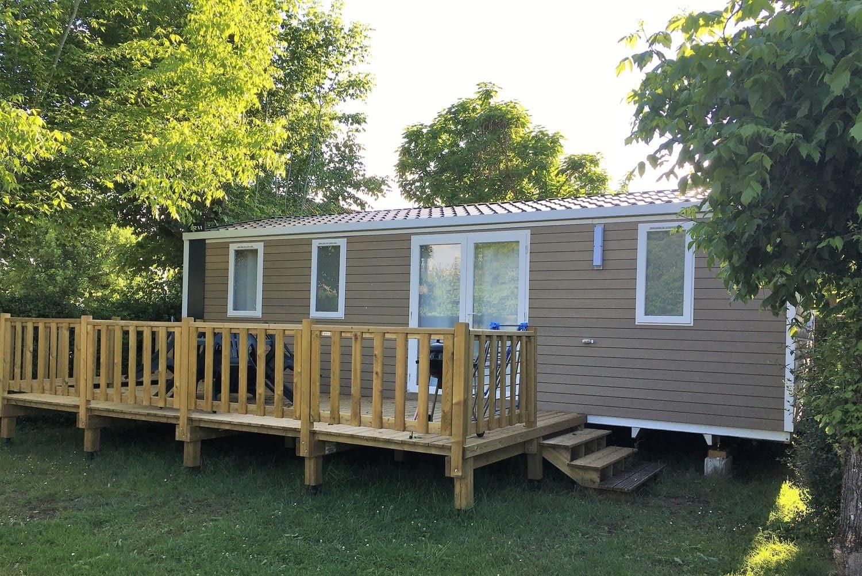 Location de mobil-home en camping en Périgord au bord de la Dordogne IRM Super Cordelia 30