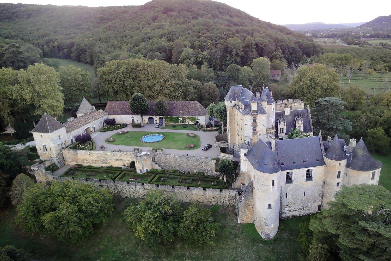 Château de Fayrac surplombant la Dordogne