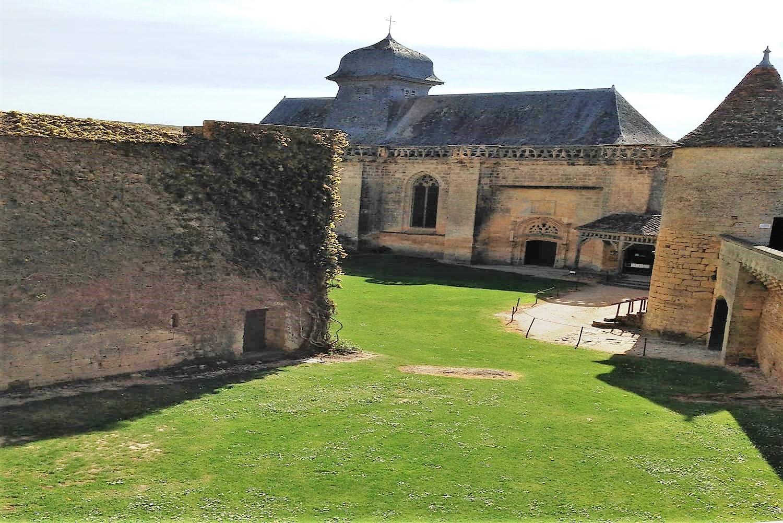 Château de Biron près de Monpazier en Dordogne