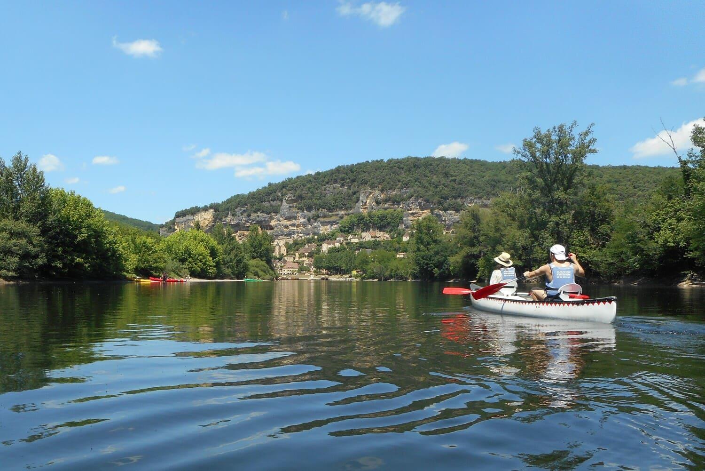 Canoé sur la Dordogne près du camping Le Garrit